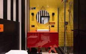 Bathroom with clashing patterns and colours
